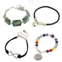 Links & Charm-Armbänder